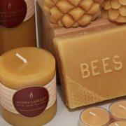 147. Alege lumanari realizate din ceara de albine sau de soia