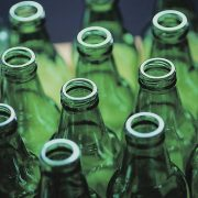 176. Recicleaza  recipientele din sticla (fara capace)