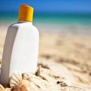 364. Foloseste o crema de protectie solara prietenoasa cu mediu