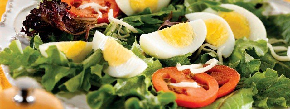58. Pastreaza apa rece folosita la spalarea frunzelor de salata pentru a raci ouale fierte